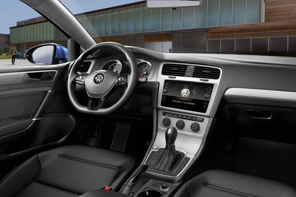 interior-of-2018-volkswagen-golf